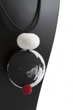 White black red pearl pendant necklace Maria Claderara